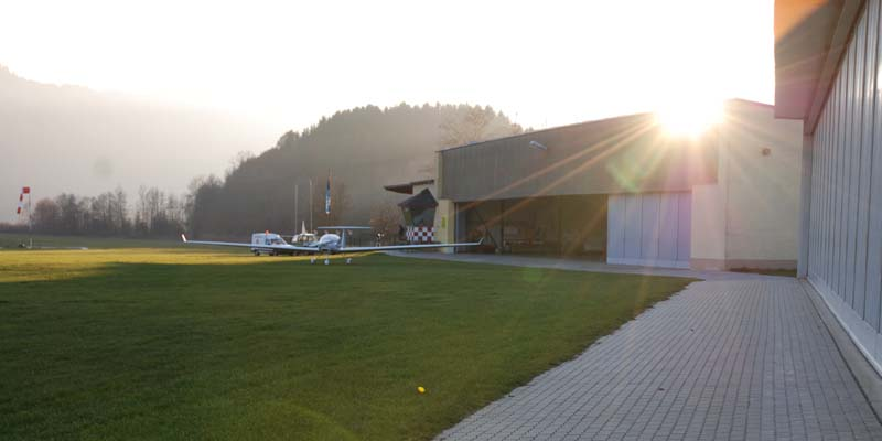 Flugplatz_Hangar.jpg