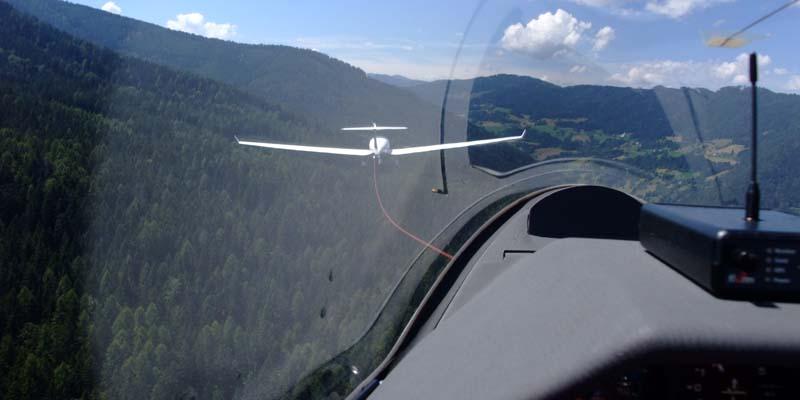 Flugschule_Schlepp01.jpg